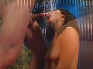 Hungry Hoe Gets A Mouthful