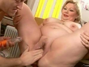 Fat grandma getting her pussy rammed