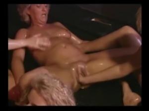 milf fisting orgy