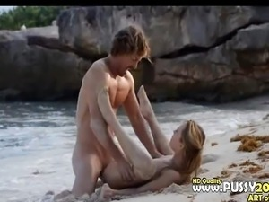 hardcore penetrating on the luxury beach