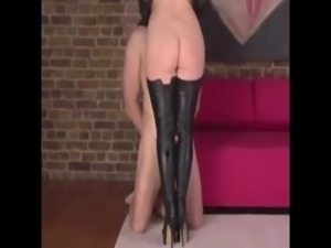 Mistress wants her heels clean free