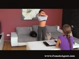 Safada gritando de prazer quando a rola entra 4 - www.arquivosexual.com free