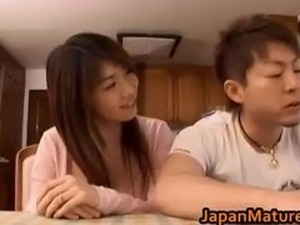 Japanese mature babe gets fucked doggy part3