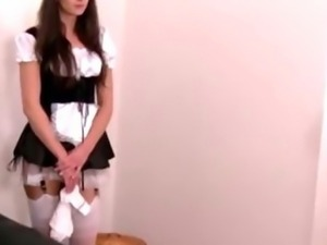 Maid with a strapon makes a guy feel humiliated