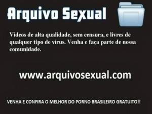 Safada tira a roupa e deixa a rola entrar inteira 6 - www.arquivosexual.com free
