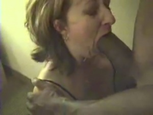 WHITE CHEATING HOUSEWIFE DESPERATE TO SUCK HER LOVERS BIG HUNG BLACK COCK free