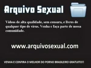 Putinha chupetando e sentando na piroca 3 - www.arquivosexual.com free