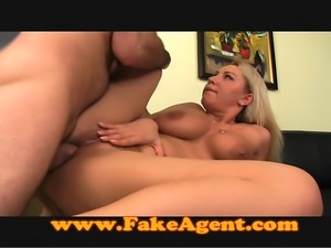 Huge natural tits babe in casting