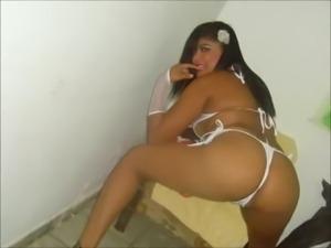 Eloise Funk - Peitos de Fora