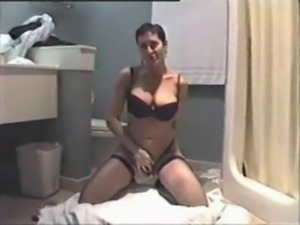 My gorgeous Mother gives me a horny blowjob free