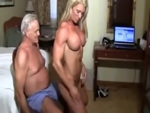 muscle bound lapdance free