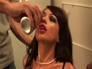 Scurvy girls enjoys hot threesome