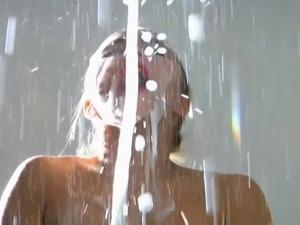 Hayden Panettiere Massive Facial