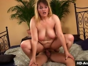 Mature blonde takes the upper hand in fucking
