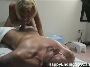 Cute tesa gives an extraordinary hot massage