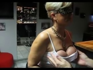 grab tits2