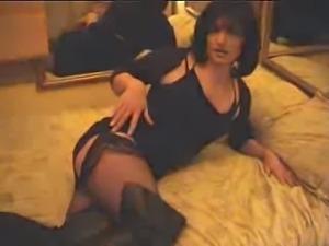 Sexy Hot British Tranny!