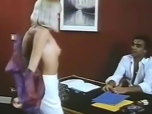 Threesome fuck in the office