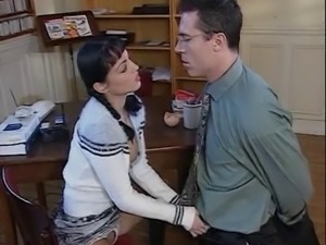 Mature getting fisted and fucked while youngers are fucking