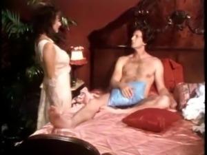tatlong lantad (1986)
