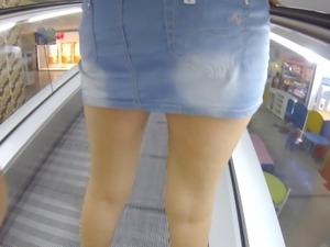 under the miniskirt of my bitch