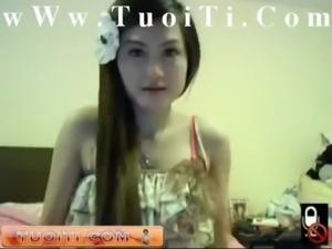 Gai xinh show hang wc cuc phe wWw.TuoiTi.Com free