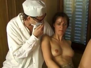 Partouze chez le gyneco - pt1