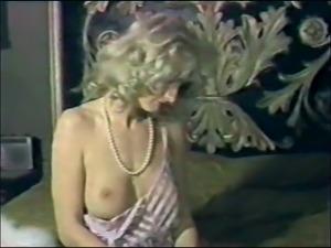 Lili Marlene Analized (Sophisticated Pleasure) (1984)