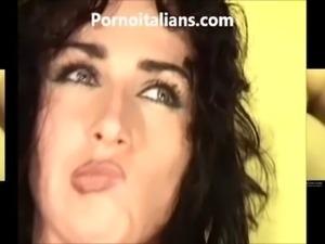 Mora italiana scopata dal fotografo  porno italiano free