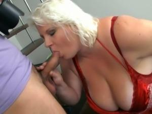 Fat blonde bangs photographer