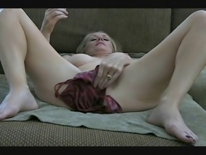 MILF Melanie - cumshots and creampies