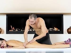Russian beauty banged by sex machine