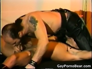 Gratis queer bears fucked and sucked part1