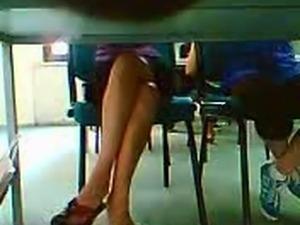 Kutuphane Guzeli - Library Chick