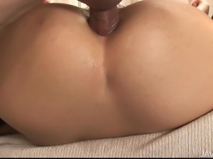 japanese cutie gets her butthole fingered