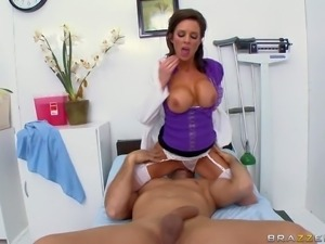 Experienced lady doctor Veronica Avluv pulls out her huge tits