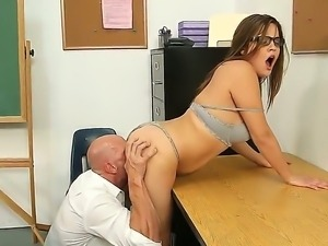 Kinky Ashlynn Leigh and Johnny Sins are enjoying a hardcore office fuck