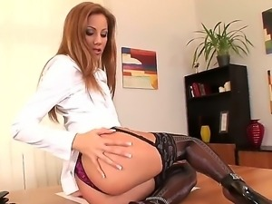 Get a relish with drop-dead office whore Anita Pearl masturbating on the table