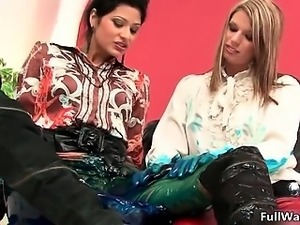 Hot brunette whore gets horny rubbing