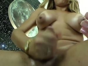Enjoy attractive horny shemale Flavia Monteiro wanking her cock