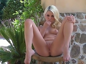 Cute and tender Chloe Lynn loves to feel fresh air with her sensitive pussy...