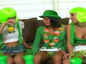 Devi Emmerson, Nikki and Sammie Rhodes making lesbian show on St.Patrics day