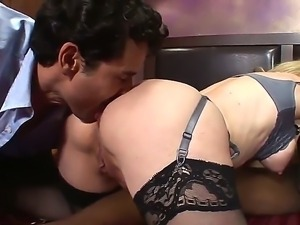 Mature blond pornstar likes to have blowjob threesomes with white and ebony guys