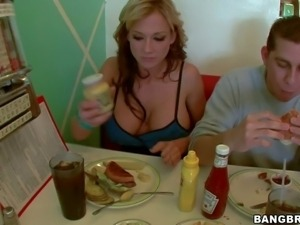 Busty and arousing blonde hottie Nikki Sexx enjoys in spending