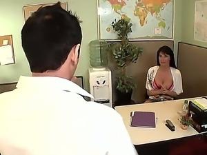 The appetizing brunette MILF pornstar Eva Karera makes a good blowjob in a...