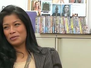 Maribel Hill attends to a casting and manages to impress with her erotic skills