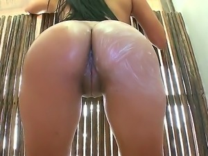 Big ass sexy Juliana with naturla boobs and long black hair gets her sweet...