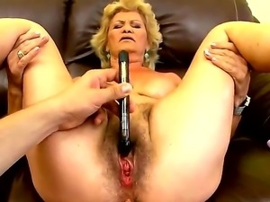 Blonde slutty granny Effie gets her snatch pounded hard after an amzing...