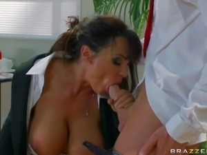 Lisa Ann's great cock suckcing skills and huge boobs are