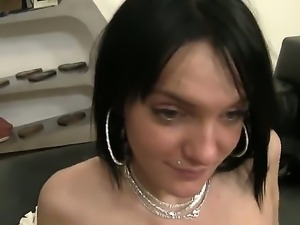 Sensational brunette babe gives guy mind blowing head before getting her cunt...